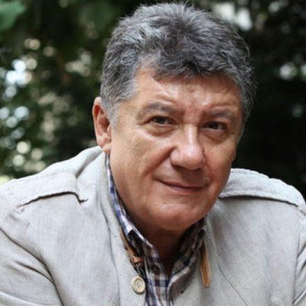 Tarık Ünlüoğlu hayatını kaybetti!