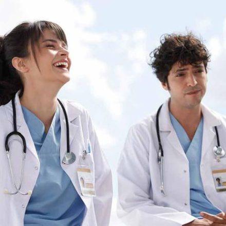 Ünlü oyuncu Mucize Doktor'da!