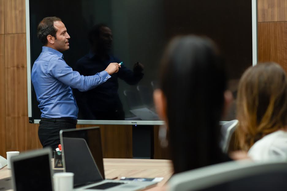 Meslek profesyonelleri bu akademi ile eğitiliyor! Hukuk dünyasından büyük ilgi!