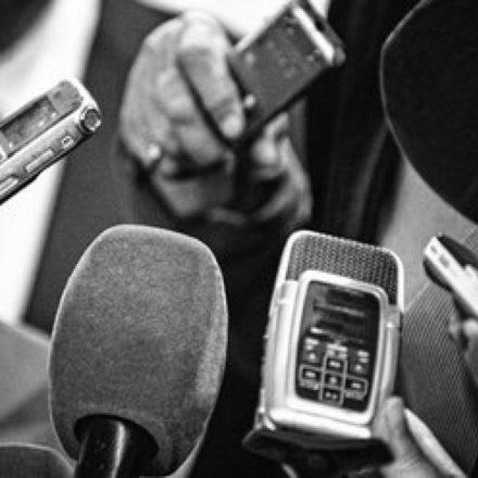 """""""Gazetecilik birilerinin yayınlanmasını istemediği haberleri yazmaktır"""" Gazeteciler 10 Ocak hangi mesajları paylaştı? En çok hangi konudan şikayet etti?"""