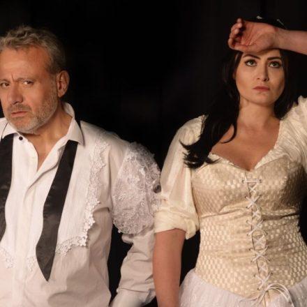 Eğer Romeo ve Juliet ölmeseydi… 'Tarla Kuşuydu Juliet' perdelerini açıyor!