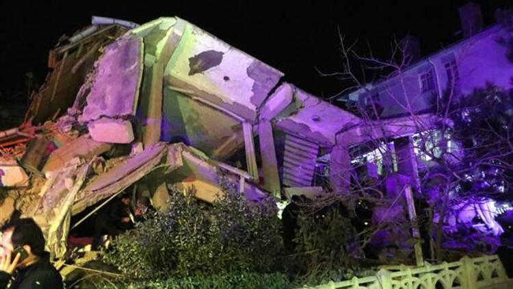 Acı haber manşetlerde! Elazığ'daki deprem gazete manşetlerine nasıl yansıdı?
