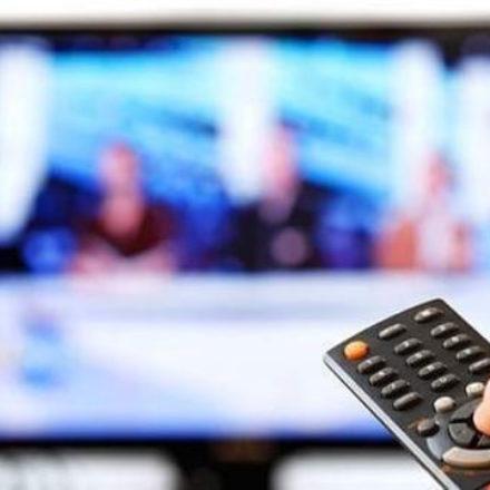 Beyaz TV'den sürpriz teklif! Hükümete muhalif gazeteciyi programa mı davet etti?