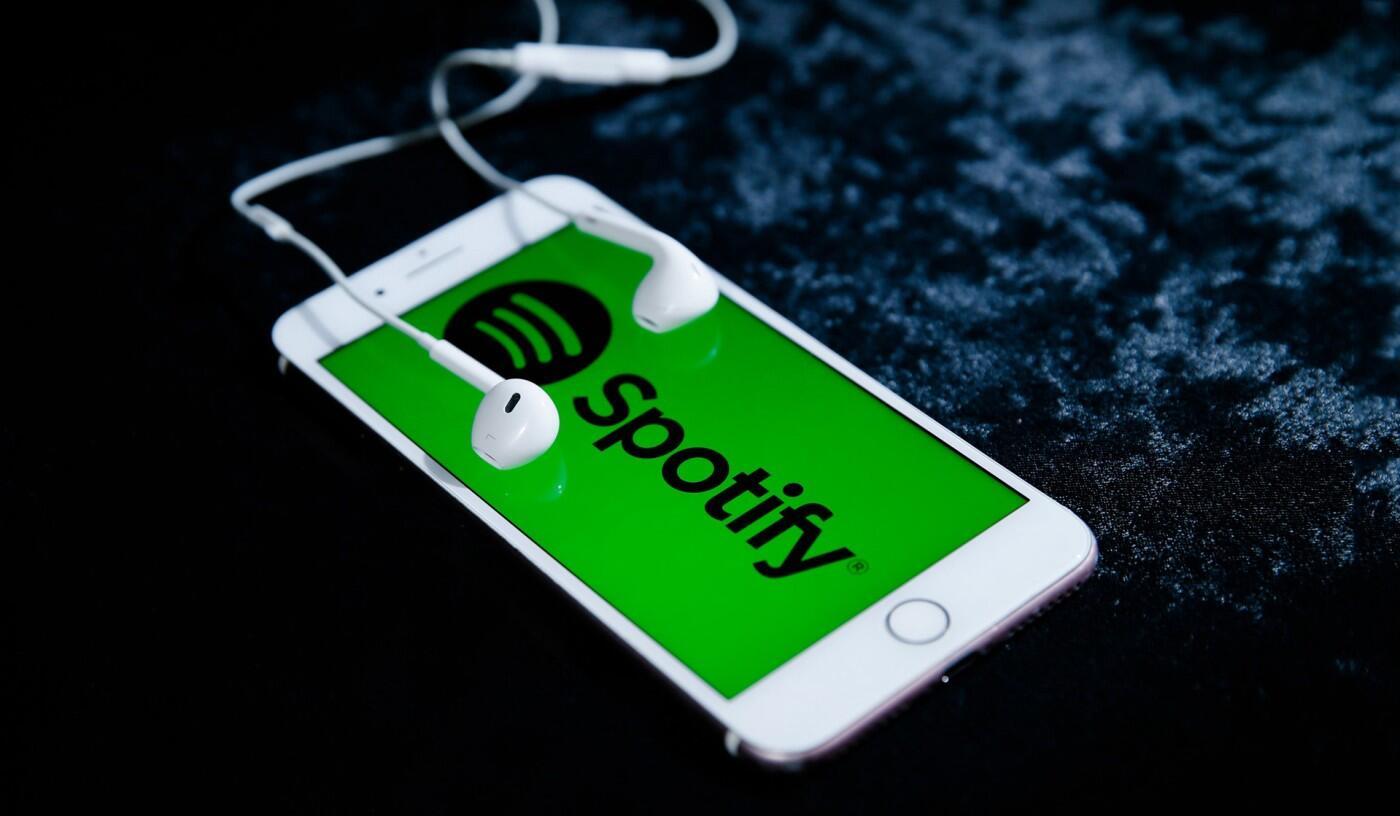 Spotify%E2%80%99dan+RT%C3%BCK%E2%80%99e+ye%C5%9Fil+%C4%B1%C5%9F%C4%B1k:+Lisans+al%C4%B1yor%21;