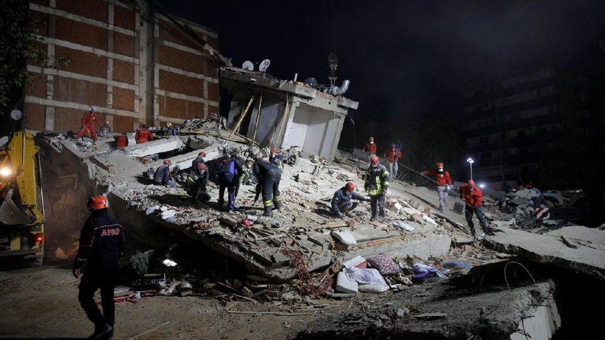 %C4%B0zmir%E2%80%99deki+depremde+hayat%C4%B1n%C4%B1+kaybedenlerin+say%C4%B1s%C4%B1+58%E2%80%99e+y%C3%BCkseldi%21;