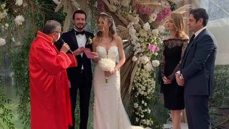 Ersin+D%C3%BCzen+ile+Seyhan+%C5%9Ea%C5%9Fko+evlendi%21;