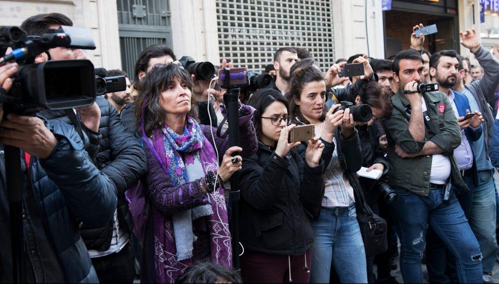 Yerelde+gazeteci+olmak:+Gazetecilik+ruhunu+kaybettik,+teknoloji+tembelle%C5%9Ftirdi