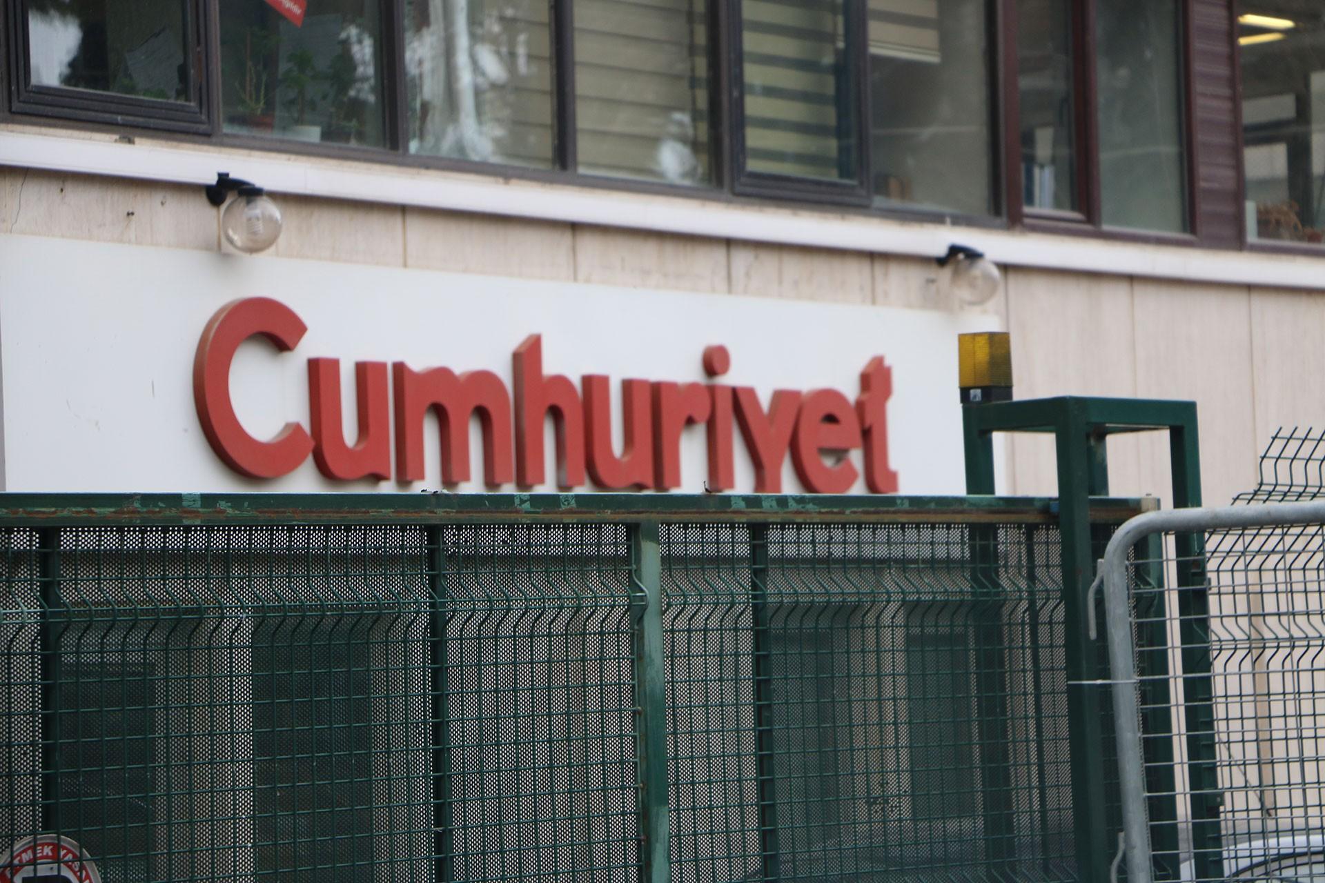 Cumhuriyet+gazetesi+%C3%A7al%C4%B1%C5%9Fanlar%C4%B1ndan+Cumhuriyet+Vakf%C4%B1+y%C3%B6netimine+mektup